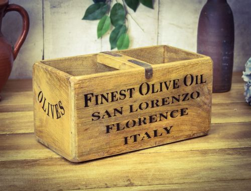 Medium Vintage Box Olive Oil